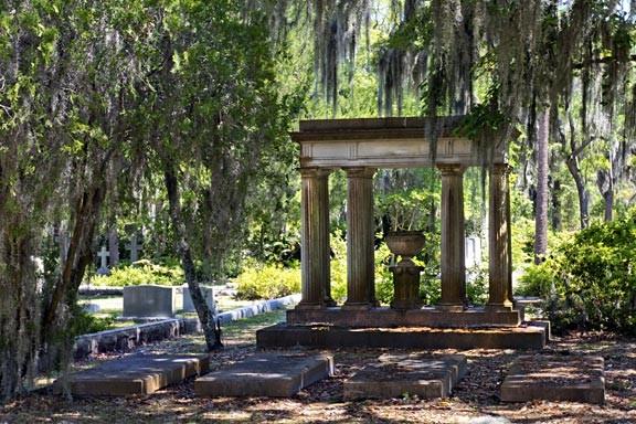 Tour Bonaventure Cemetery