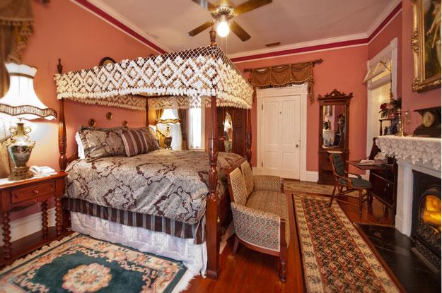 Lincoln Room Mcmillan Inn Savannah Georgia B Amp B