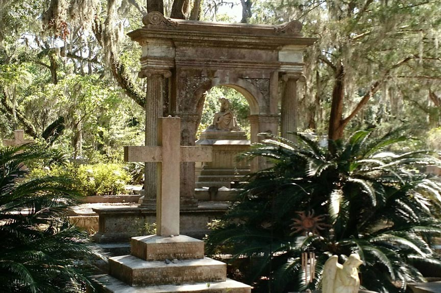 tour Savannahs historic Bonaventure Cemetery