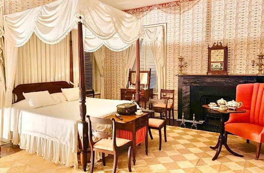 Andrew Low House bedroom
